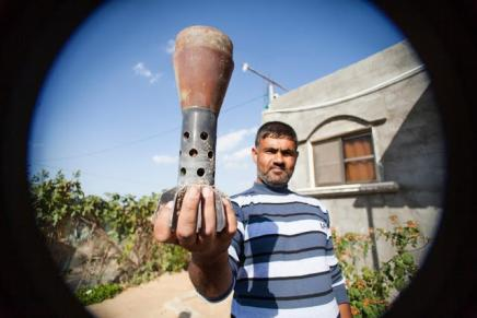 Israeli shell fired at Khuza'a, Gaza during Operation Cast Lead. Photo- Desde Palestina
